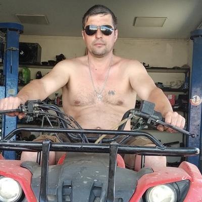 Влад, 42, Krasnoye